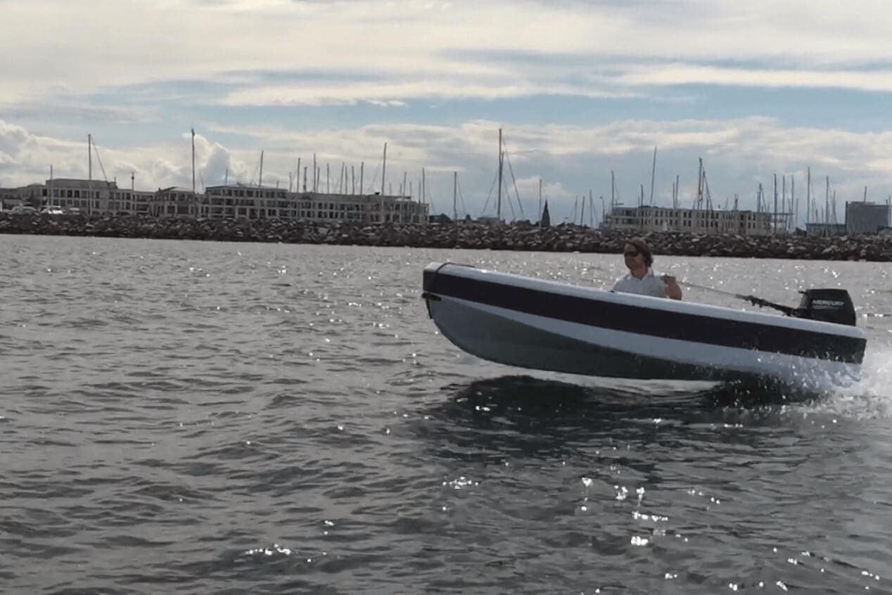 ASTender BEACH Boat